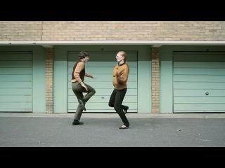 Смотрите, как прикольно менялась мода и стили танцев! ))